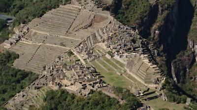 ペルーアンデス紀行9 午前:マチュピチュ村2060mからワイナピチュ峰2690m直登:マチュピチュ遺跡を見下ろす