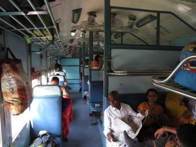 初インドを一ヶ月縦断一人旅してみた 7日目 やたら食べ物をもらった移動日