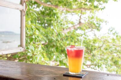 冬の沖縄 女一人旅① ~南部カフェ・ガンガラーの谷・やちむん巡り~