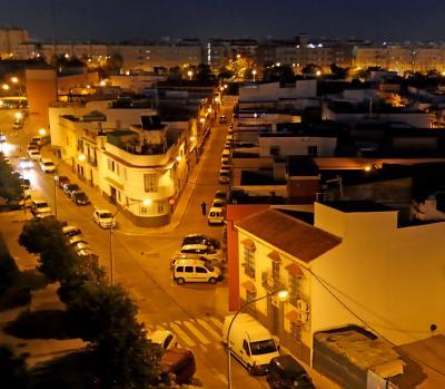 2017.12アンダルシアドライブ旅行14-Sevilla Apartmentに2泊,24番バスで市内へ