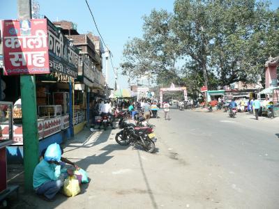古代インド王国の首都、ラジギール市街地の探訪
