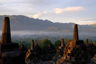 遺跡観光を楽しむインドネシアの旅