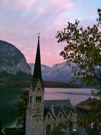 オーストリア ― 音楽の都と世界一美しい湖畔の町