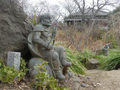 常楽寺の十六羅漢_2018_冬は木や草が繁っていないので見つけ易い時季です(群馬県・太田市)