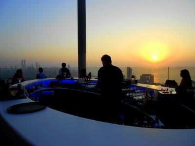 Mumbai インドの巨大商都 / Navi Mumbai,  Four Seasons Hotel Mumbai