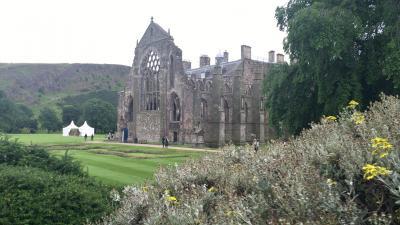 古城とウイスキー街道を巡るスコットランド ドライブ旅行 - その3(ピトロクリー、エジンバラ)