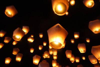 初台湾で、平渓天燈祭へ