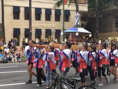 ハワイ最大のお祭り(みこし)