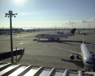 こんな時代もあったんだ!中部国際空港にJALのB747-400にANAのゴールドジェット!!