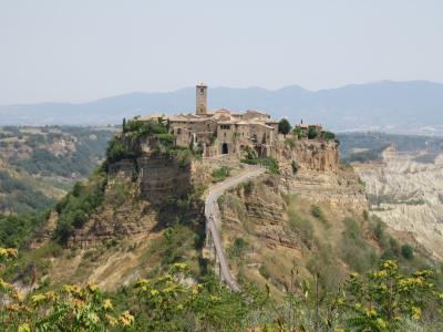 要塞都市オルヴィエートと「死にゆく町」チヴィタ・ディ・バーニョレージョ