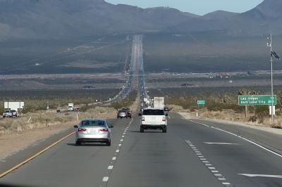 JALビジネスクラスで行くアメリカ西海岸・グランドサークル ラスベガスまでは砂漠のハイウェイ