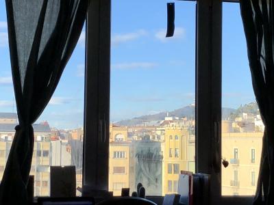 イビサ島から帰ってきてバルセロナの友人宅に一泊、カサ・ビンセンス観光、そして素敵なレストランでランチ