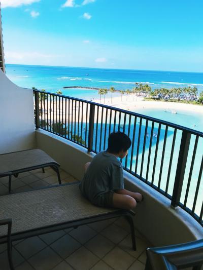 3世代ハワイ 9歳と1歳2ヵ月子連れ☆ヒルトングランドバケーションクラブ(HGVC)ラグーンタワー2ベッドルームオーシャンフロント ③ハワイ大学(UH)マノア校・ビーチ・トロピクスバー・ヒルトン花火