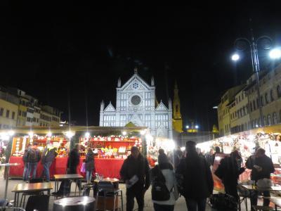 フィレンツェ、サンタ・クローチェ広場のクリスマスマーケット!