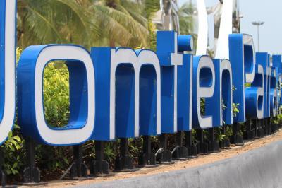 CHONBURI immigrationビザ延長/Jomitien Pattaya Beach一寸だけロシア娘のくつろぎも3月/2018