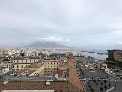イタリア3日目。ナポリを見ないで死ぬなの「ナポリ」ついに。鹿児島市の姉妹都市。ナポリの桜島