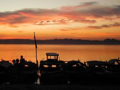 ミャンマー自転車旅その3-川沿いの町アランミョーの夕焼け