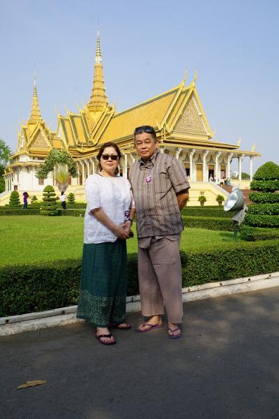 トラピックス3泊4日格安ツアーでプノンペンを遊びつくす。(5) ようやくプノンぺン市内観光で王宮とシルバー・パゴダを見学する。