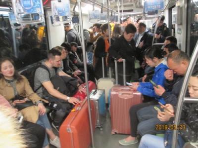 上海の地下鉄2号線広蘭路駅・乗換・終電