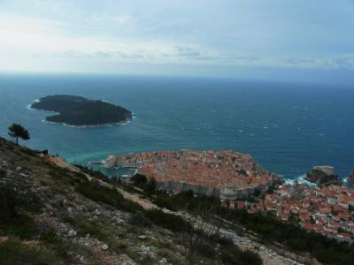 悪天候のドブロヴニク観光 ②徒歩でスルジ山へ