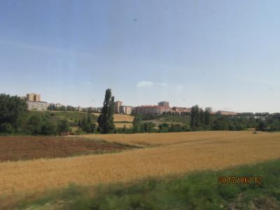 イベリア周遊の旅(146)パンプローナへの車窓風景・続。