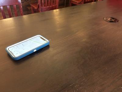iPhone ワイヤレス充電(スターバックス)