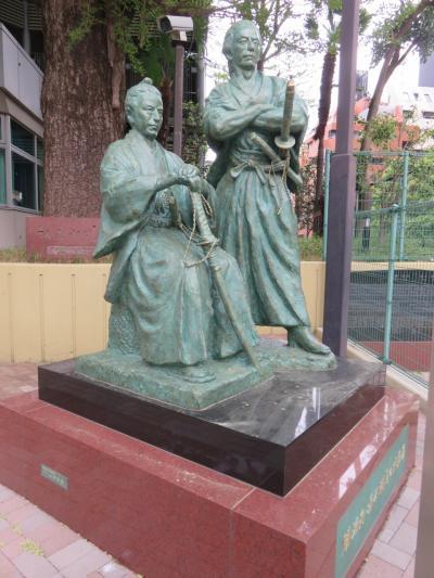 勝海舟と氷川清話等を思い出し、赤坂氷川神社近辺を朝の散歩
