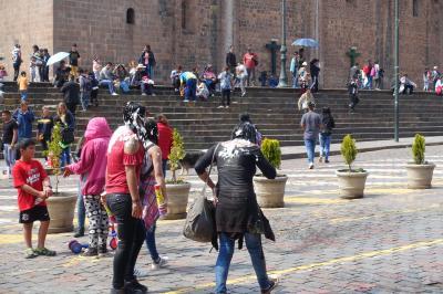 リオのカーニバルと絶景の南米浪漫周遊13日間③クスコの水かけ祭り観光編