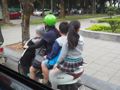 2018年3月、ベトナム、ハノイ旅行(4.空港からホテルまで)