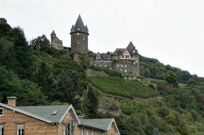 まずはライン川を望むシュターレック城☆バッハラッハ街歩き1 秋の風物詩ドイツ・スイスの旅10-3