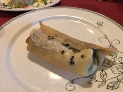 """駐在のついでに 【その××】香港でウクライナ料理。""""IVAN THE KOZAK""""のお薦めは """"Beluga Caviar with pancakes (キャビアのパンケーキ添え)"""" !"""