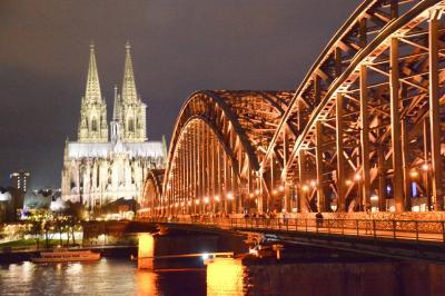 登れなかった(泣)、年末年始のケルン大聖堂(オランダ、ベルギー+ケルンの旅①)