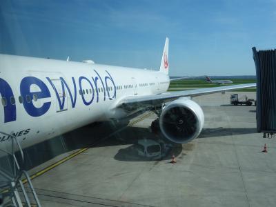 Boeing B777-300 に乗りました。HND-CDG JL045 10:40発。パリ便です。