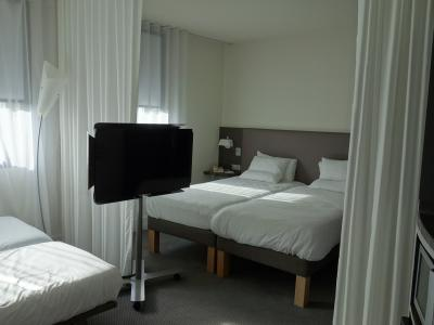 フランス最初のホテルはロワシー地区。「ロワシー」,そう,あの小説の舞台です。