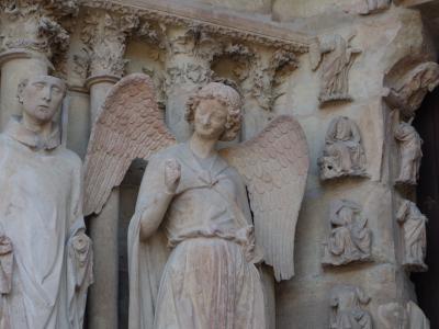 東フランス旅行。先ずはランスを目指す。「微笑みの天使」にお会いするため。