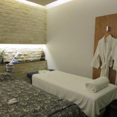 日本人の多いホテル? ルネッサンスリバーサイドサイゴンに泊まって歩いてシェラトンサイゴンのスパへ
