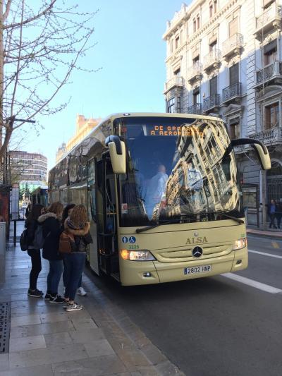 グラナダからバルセロナへ。