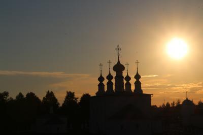 2016年ロシア黄金の環めぐりの旅【第10日目:スズダリ1日目】(2)世界遺産のスパソ・エフフィミエフ修道院と夕方のアレクサンドロスキー修道院とカーメンカ河畔の息を呑むような夕景