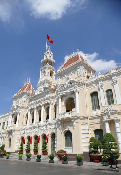 初ヴェトナム旅行 ⑥ ー 最後の訪問地ホーチミンへ。フランスが残した近代建築の華を見る