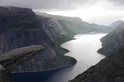 ノルウェー トロルの舌テント泊 Trolltunga camping
