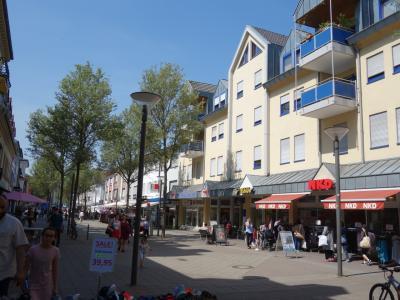 ケール市の街歩き。のどかな土曜日の午後。のんびりお散歩です。