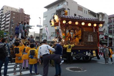 府中くらやみ祭りの山車行列