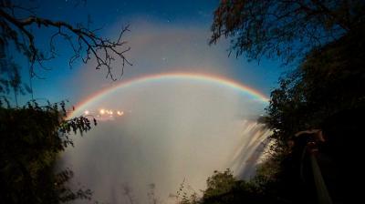 2018年GW ビクトリアの滝でルナ・レインボー(前編)