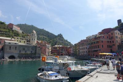 旅する貧乏ガードマン今度のお題はイタリア「チンクエテッレと周辺リゾートそしてヴェネチアに行ってみた」海から眺めたチンクエテッレ編