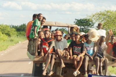マダガスカルへの旅----アンツィラベとサザンクロス街道