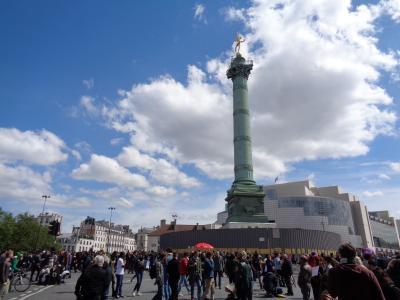 バスティーユ広場からヴィアデュック・デザールへ