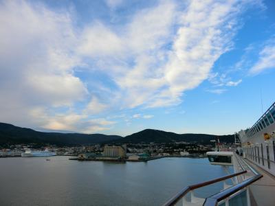 小樽港着岸 ダイヤモンド・プリンセス ぐるり北海道周遊と知床クルージング・サハリン9日間