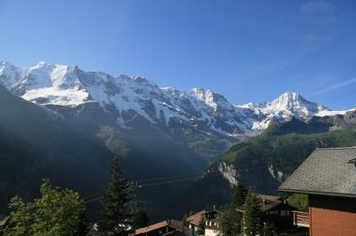 テレビでも放送されたミューレン村、村内からベルナーアルプスの峰々を楽しめる美しい所です。