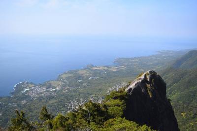 屋久島・モッチョム岳登山 急登の果ての海の大展望!