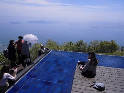 「琵琶湖テラスへのハイキング」